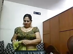 Saggy hot videos - indian aunty tubes